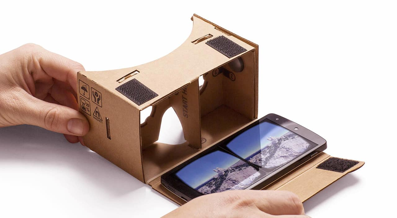 Google Cardboard - Wearable Technology