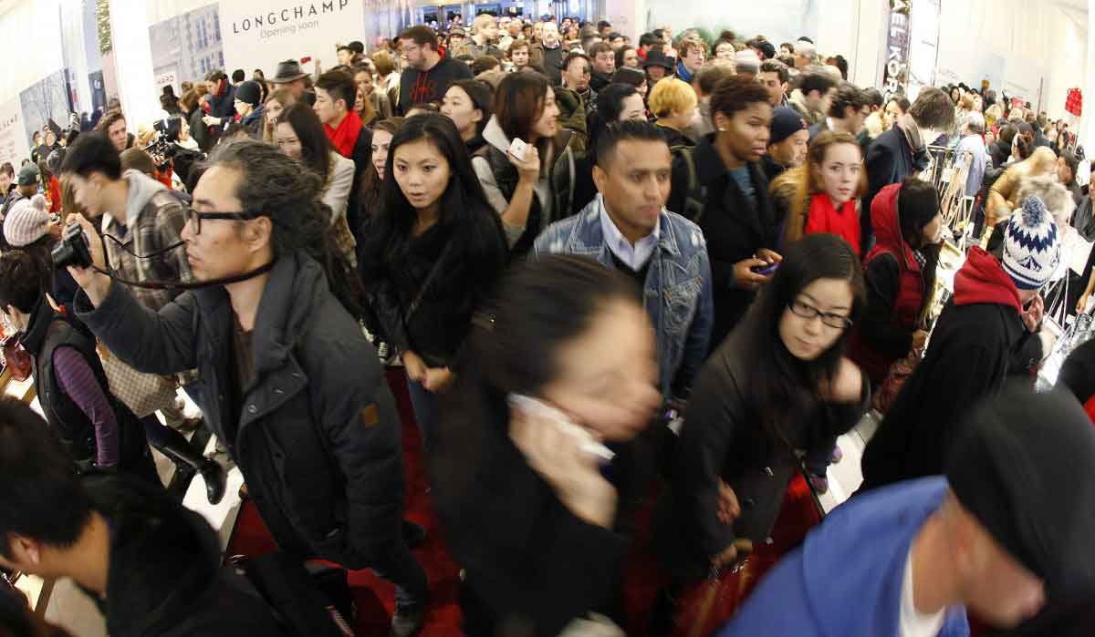Crowds on Black Friday - not Virtual Reality Shopping