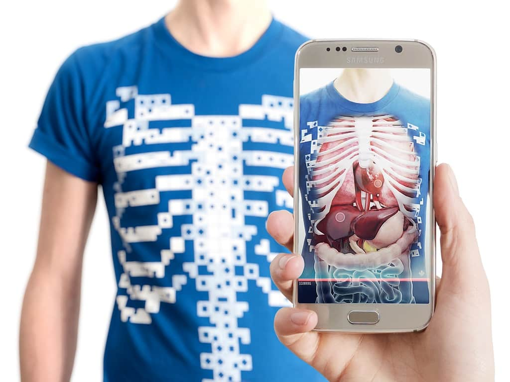 an augmented reality t shirt virtuali tee digital bodies