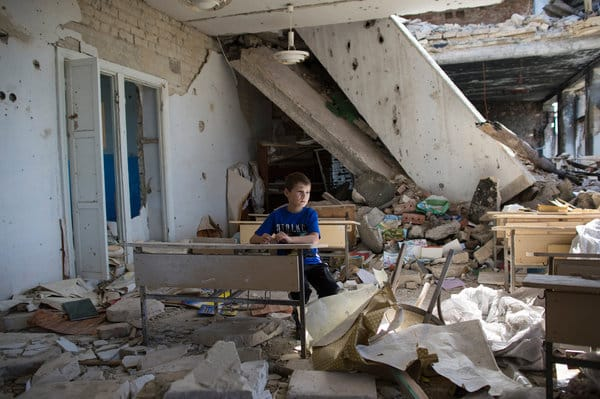 NYT VR The Displaced-Ukraine Child