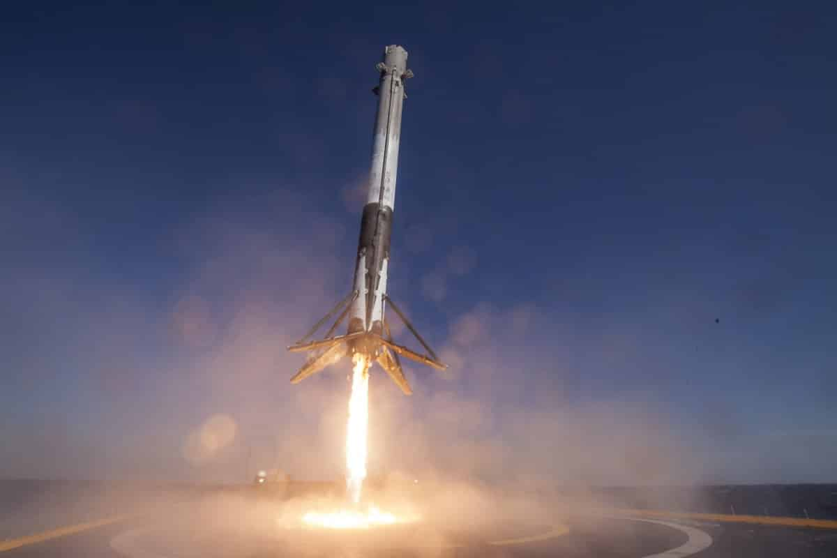 spacex 360 video of falcon rocket landing on drone ship