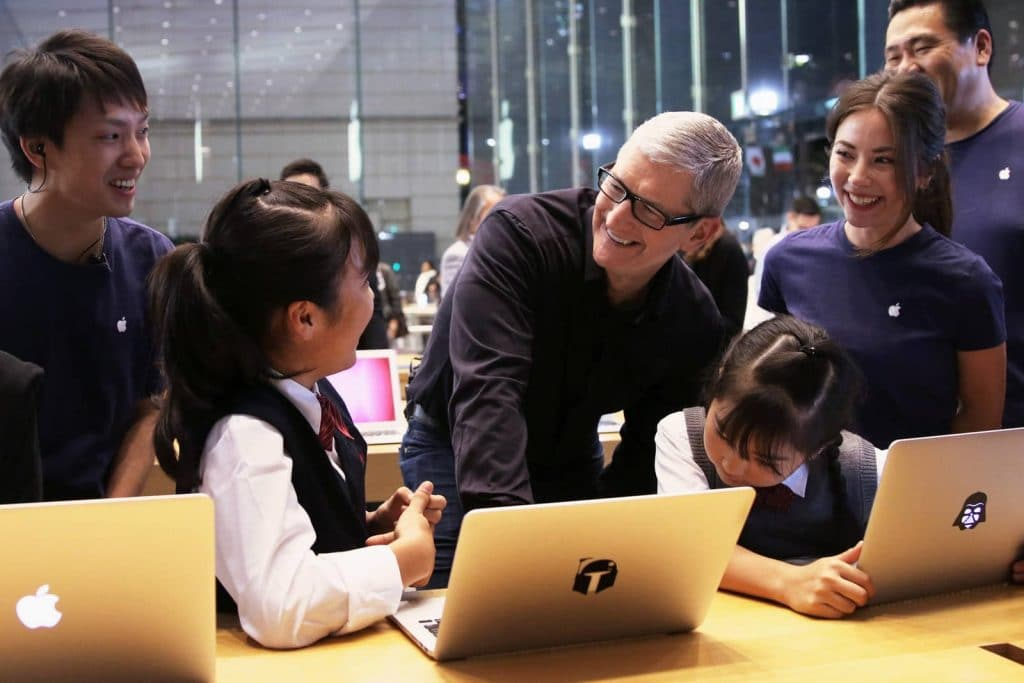 Apple and Augmented Reality - another interview with Tim Cook in Japan