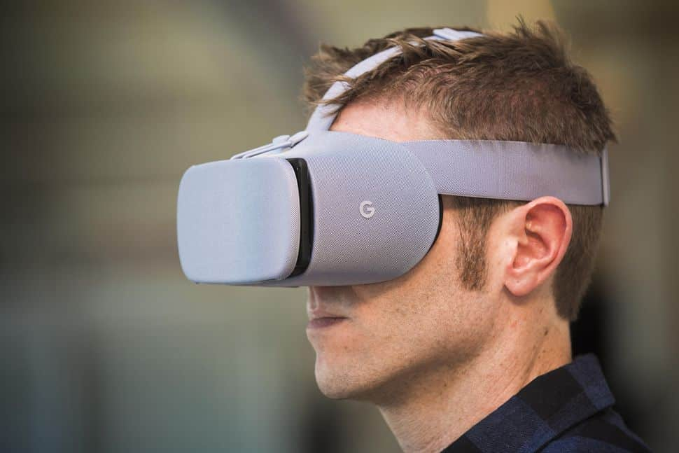 Googles Daydream VR headset new experimental features