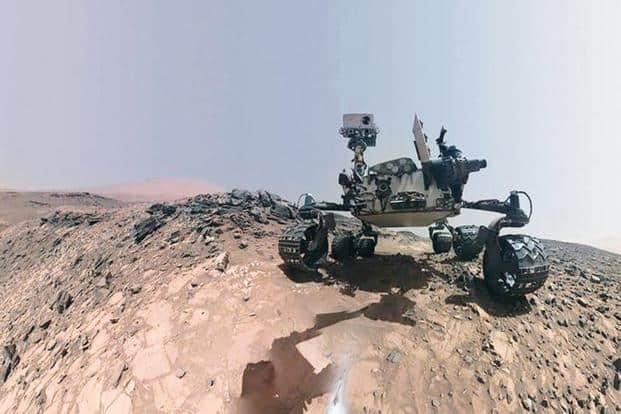 Curiosity Rover on Mars Selfie-time