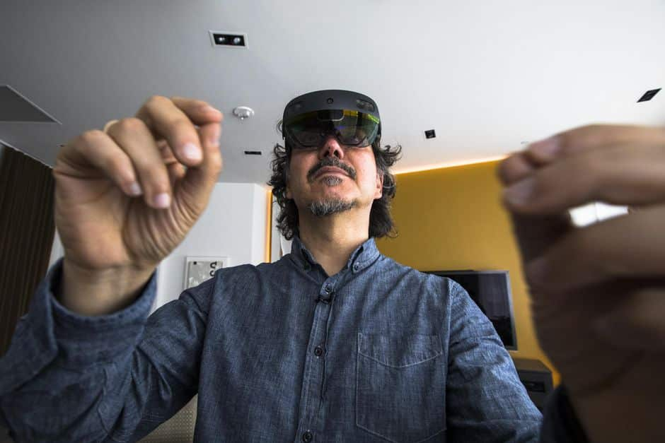 HoloLens 2 gestures feel natural even though they lack haptic feedback.