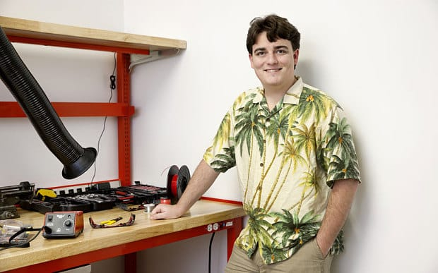 Palmer Luckey Rift Kickstarter project