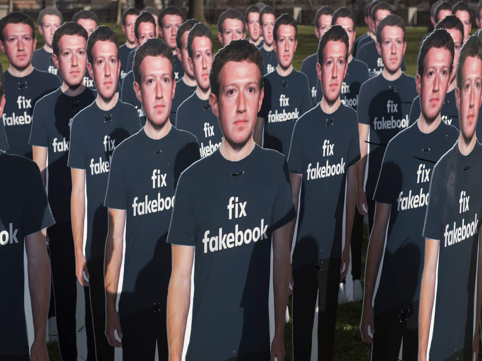 Facebook lawsuit and the German investigation into the account requirement mandate to use the Oculus Quest.